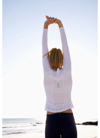 Çaktırmadan egzersiz yapın!   Egzersiz yapmaktan hoşlanmıyorsanız, farkına bile varmadan ufak molaları değerlendirecek hareketler yapabilirsiniz...